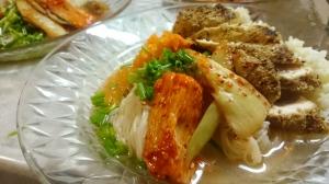 旅土産で晩御飯。山芋やセロリキムチとゴマたっぷりささみのせ韓国冷麺