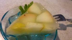 粉寒天4g+水200ml、リンゴ1個+はちみつ大さじ1、酒大さじ1、コショウ(シナモンでも◎)100%リンゴジュース190ml