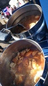 自主的にお料理作ってきてくださる方や食材調達してくださる方たちが続出・・